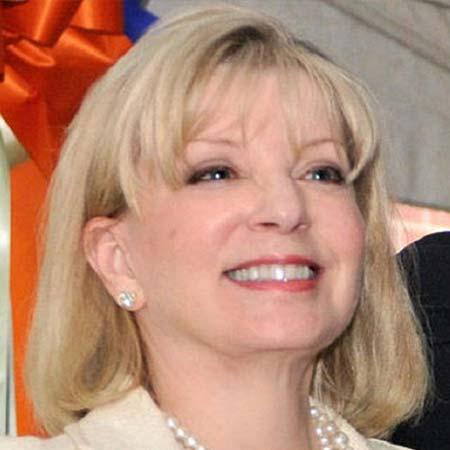 Ann Carlson Khan