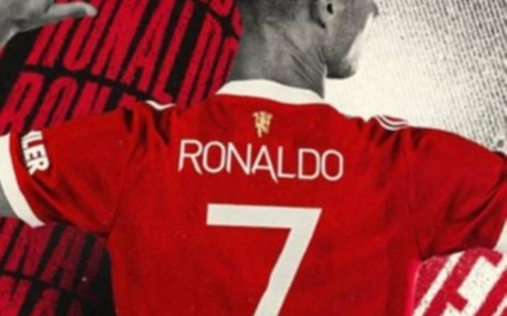 New Manchester United No.7 Cristiano Ronaldo breaks the jersey sales record after Old Trafford homecoming